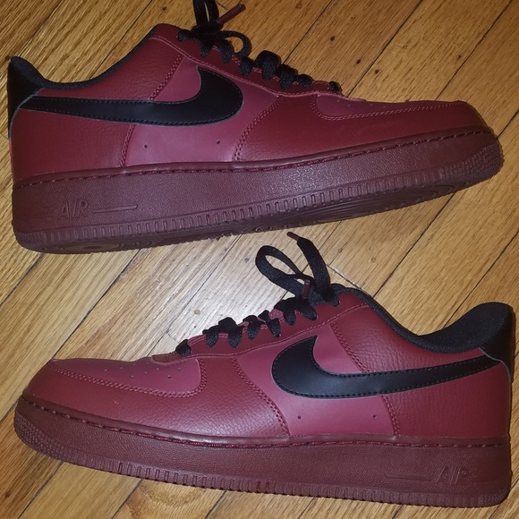 sports shoes b59ba ed30d Nike Air Force 1 Low Team Red Black 11 Sneaker